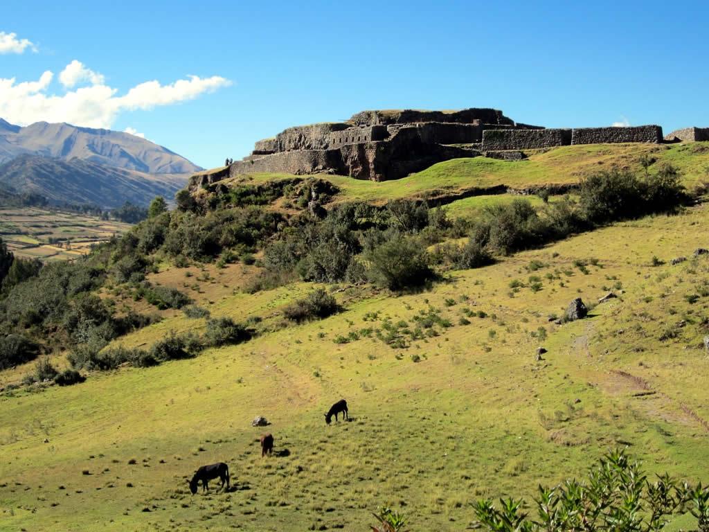 Blog Viagens Machu Picchu_Puka_Pukara_photoby_d-stanley_via_visualhunt