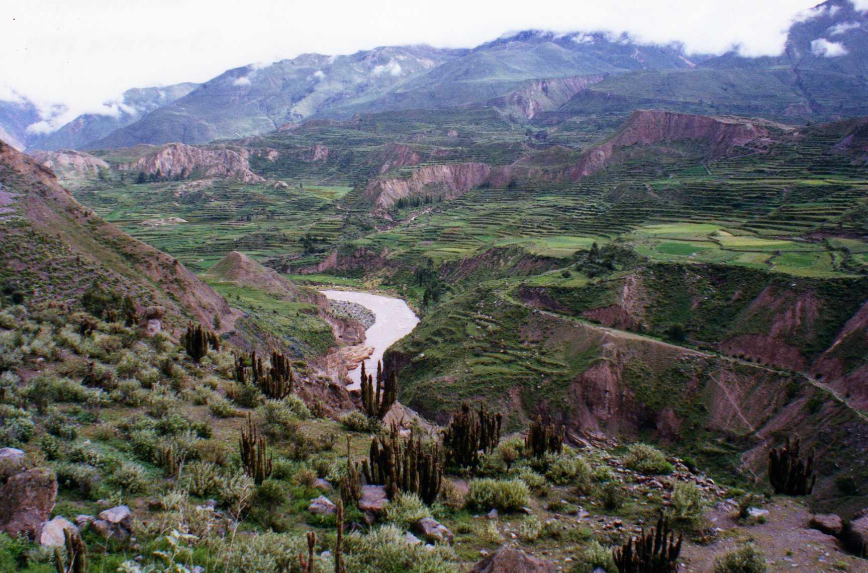 Blog Viagens Machu Picchu_Vale_del_Colcaphotby_wallygrom_via_visualhunt
